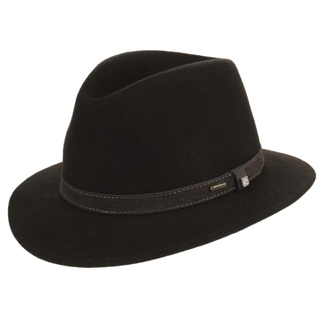 937e193bc Hat in furfelt and Gore-Tex with earflaps