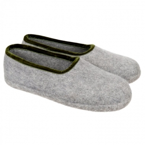 slippers in size 52 31df4c36e41