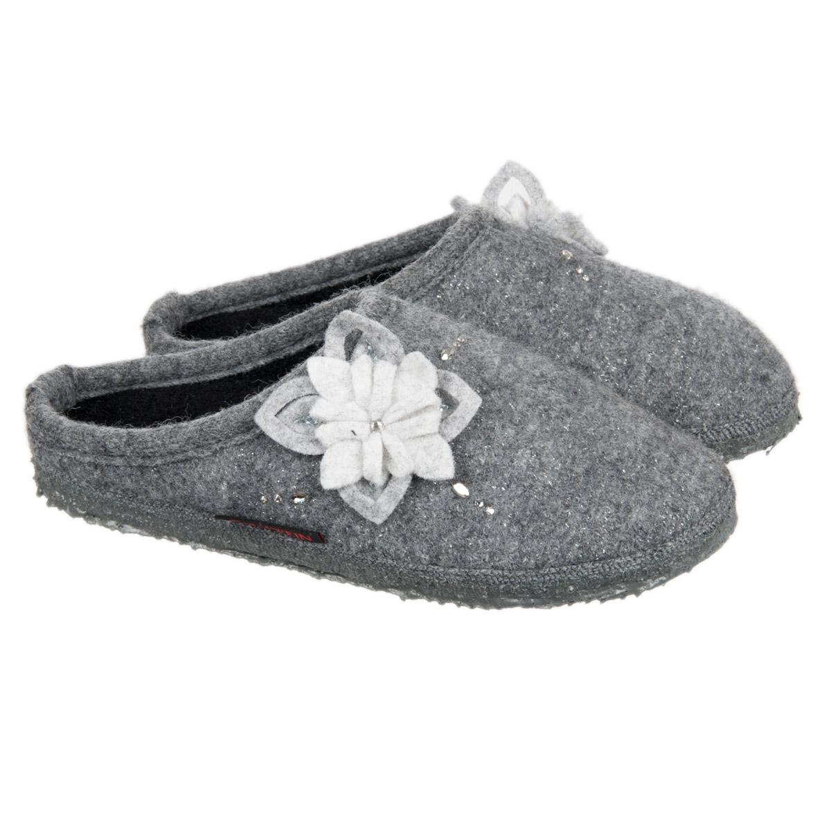 best sneakers 614f1 1c89e Hausschuhe für Damen Modell Neichen von GIESSWEIN