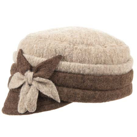 Mary il berretto da donna in lana cotta con applicazione  7581e7c8b5c5