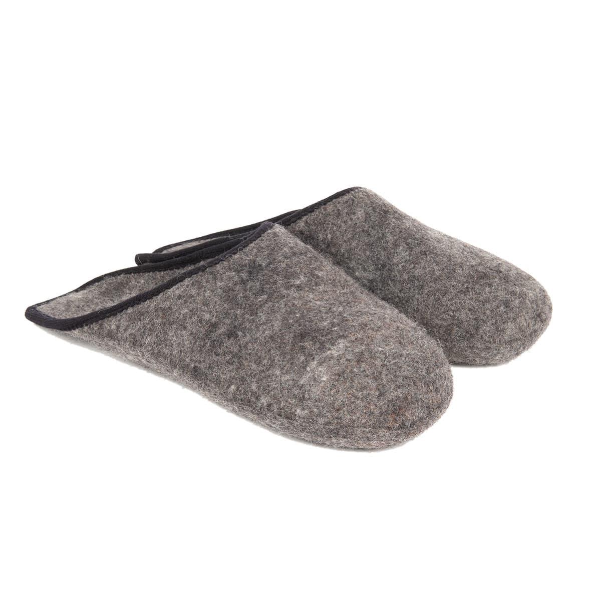 new arrival 05f60 2daa9 Pantofole in puro feltro lana da usare come soprascarpa