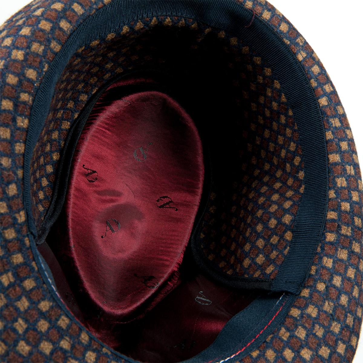 cappello trilby con paraorecchie firmato ALFONSO D ESTE fdc580fde2ab